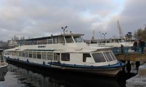 5 апреля 2016 года с Херсонского речного порта отправились первые катера на дачные участки стоимость проезда 20 грн 5-aprelya-2016-goda-s-xersonskogo-rechnogo-porta-otpravilis-pervye-katera-na-dachnye-uchastki
