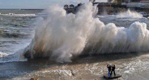 Синоптики попереджають про густий туман і штормовий вітер в Україні