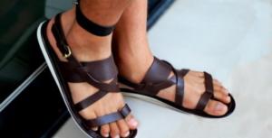 Модные мужские сандалии какие они?