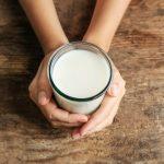 Молоко на ночь можно или нельзя