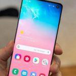 После недавнего обновления смартфоны Galaxy S10 начали зависать и перезагружаться