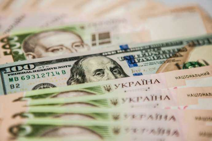 Покупаем доллар по-новому Нацбанк изменил правила валютных операций